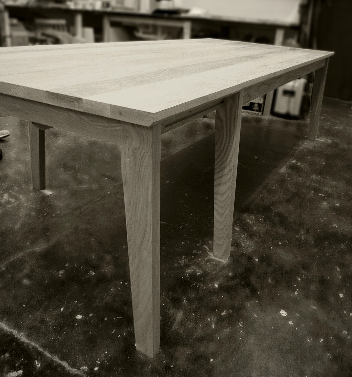 rogue_designs_oxford_extending_table_12_seater_40.jpg