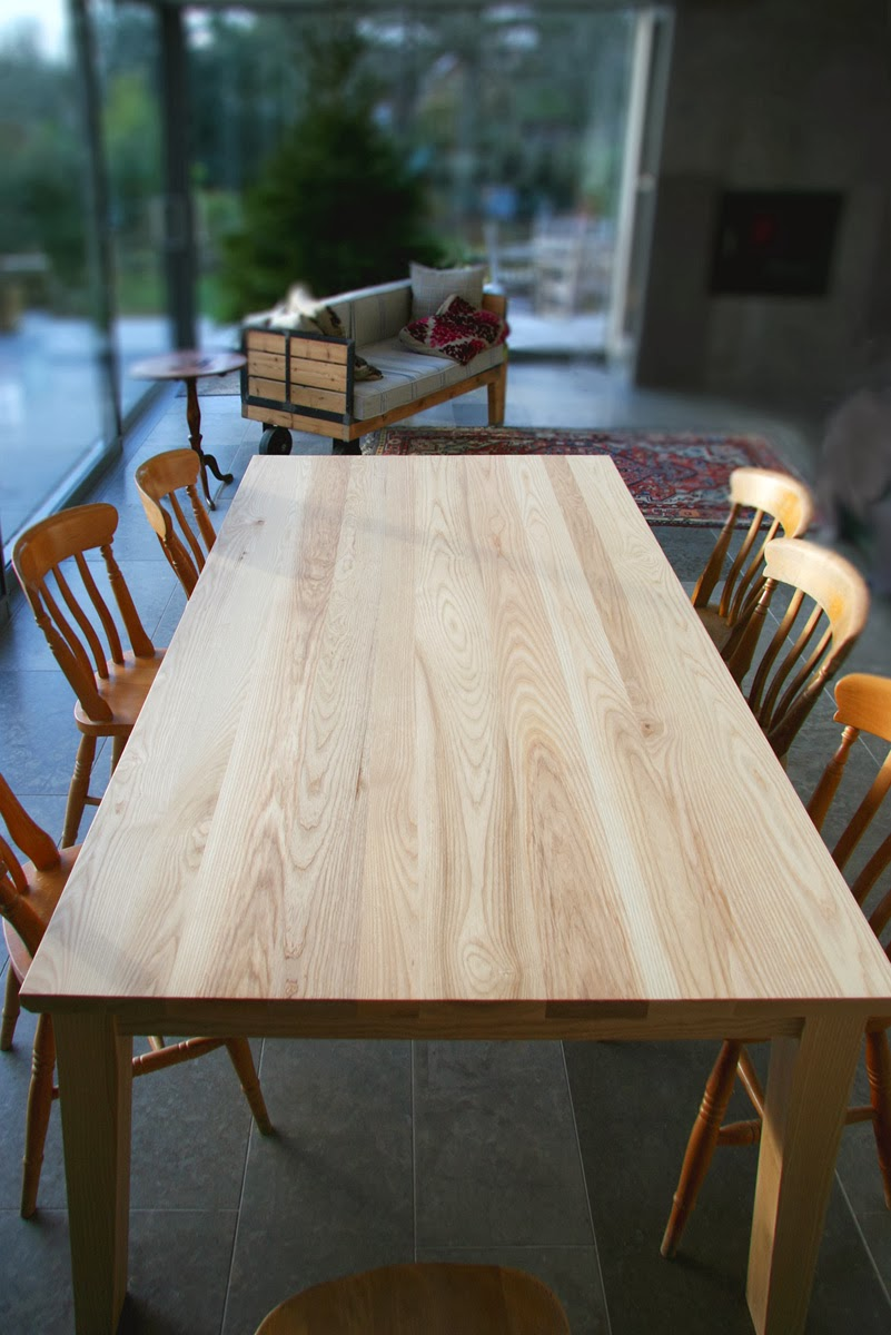 rogue_designs_oxford_extending_table_12_seater_50.jpg