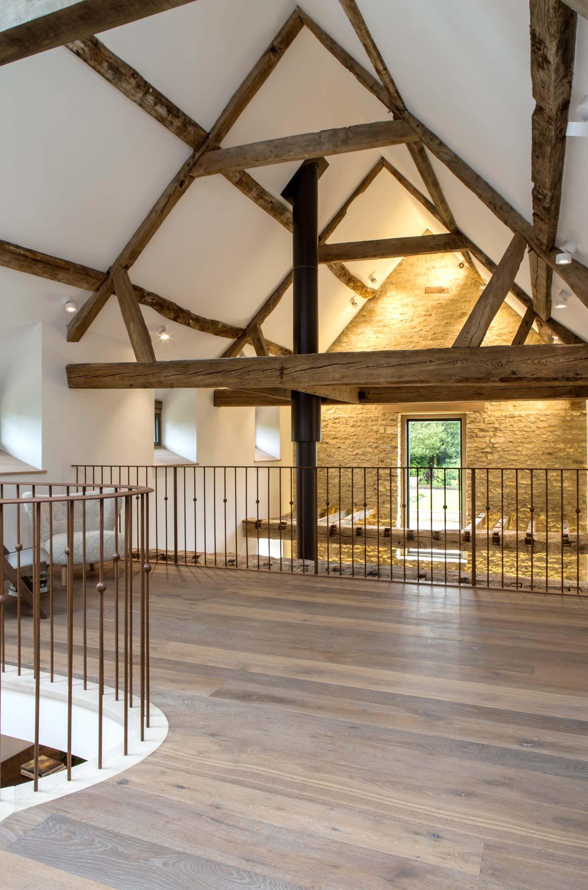 barn-conversion-mezzanine-rogue-designs.jpg