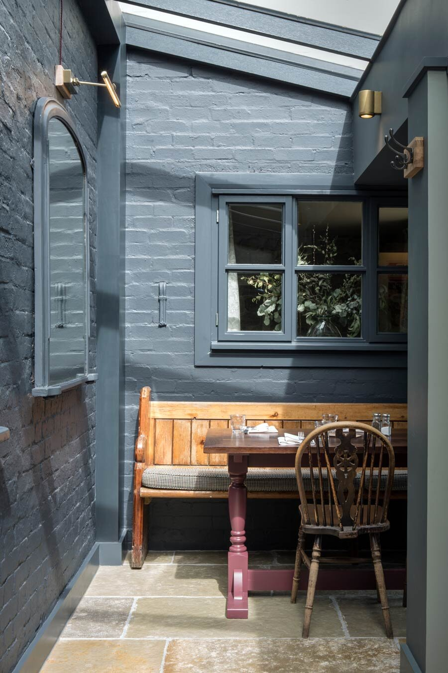 rogue designs oxford  perch inn PERCH_DINING_ROOM-0947.jpg