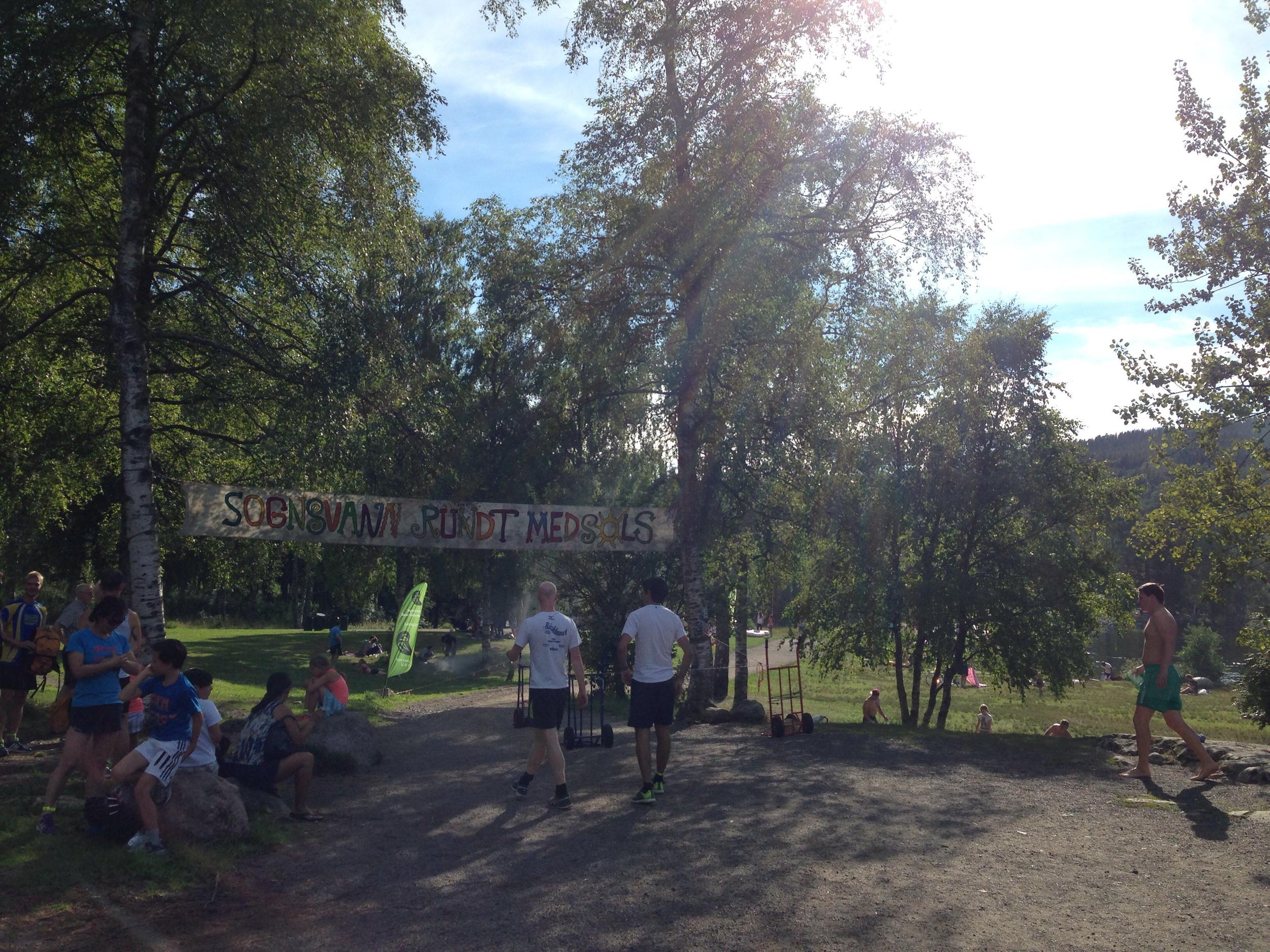 SRM #393. Med både nytt og gammelt banner. Takk for den frivillige innsatsen fra arrangøren!