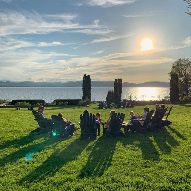 Beautiful weekend in Vermont • • • #vermont #shelburnefarms #sunset #sundowners #lakechamplain