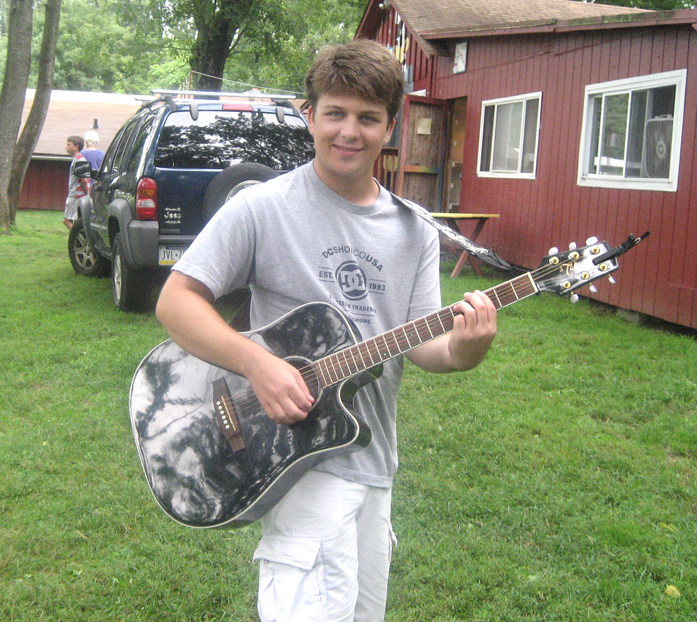 BB_July2015_GuitarPlayer_IMG_8973.jpg