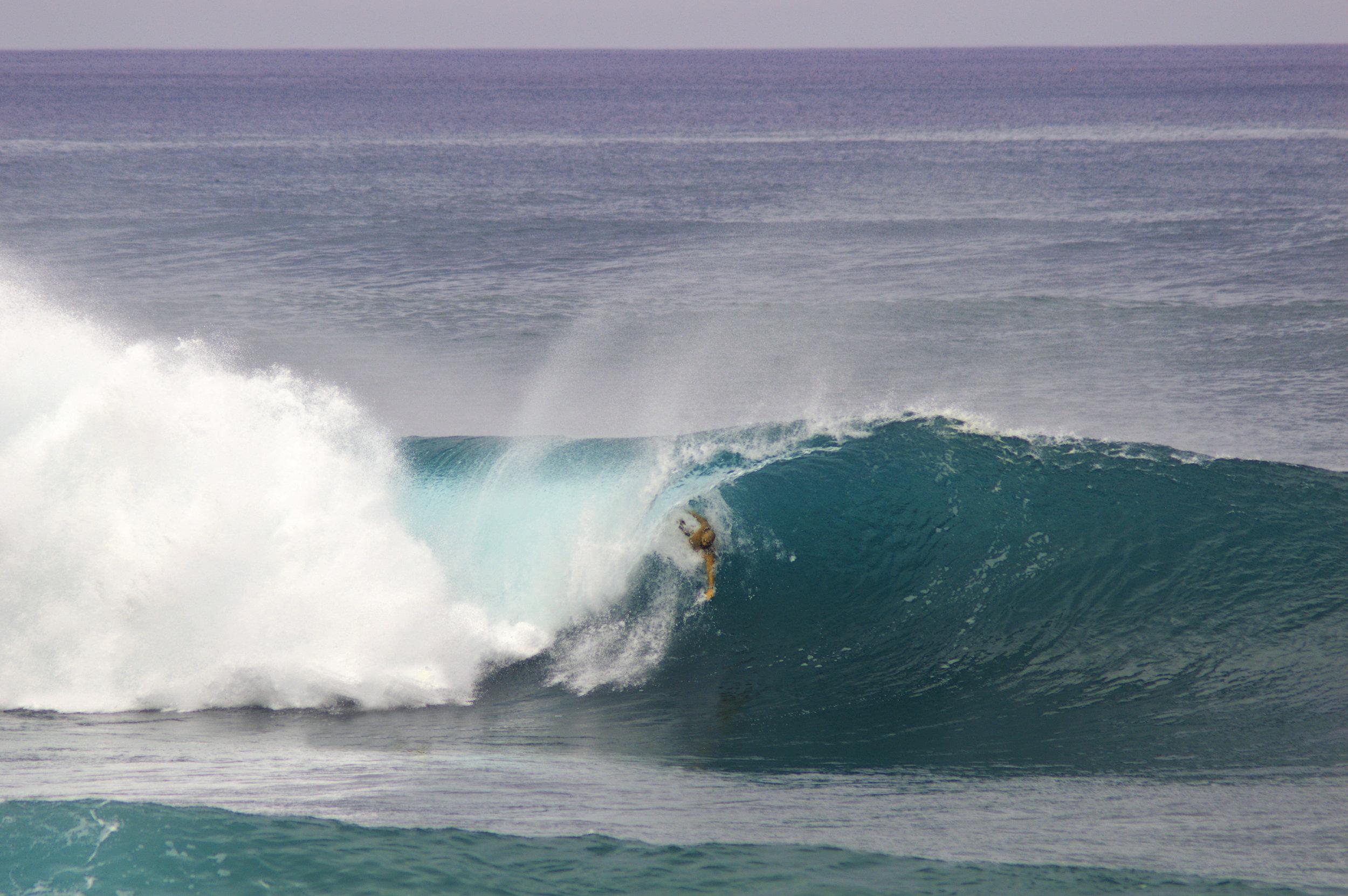 VanMelum bodysurfing Pipeline