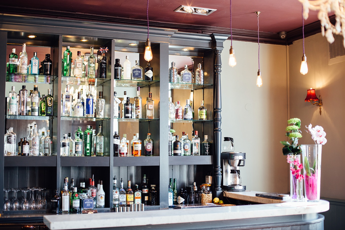 We're opening up our beautiful Gin Bar for all you lovelies to come have a cheeky drink or two!