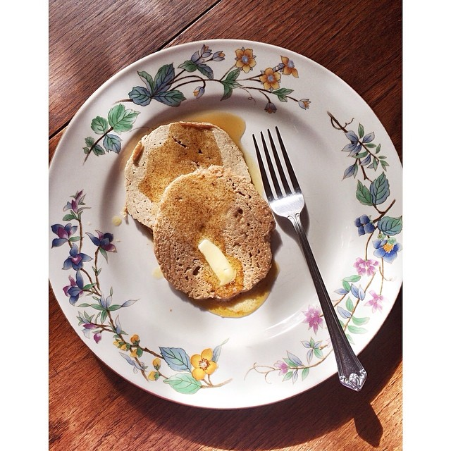 EASY Gluten-Free Oatmeal Banana Pancakes — Madeline Nutrition