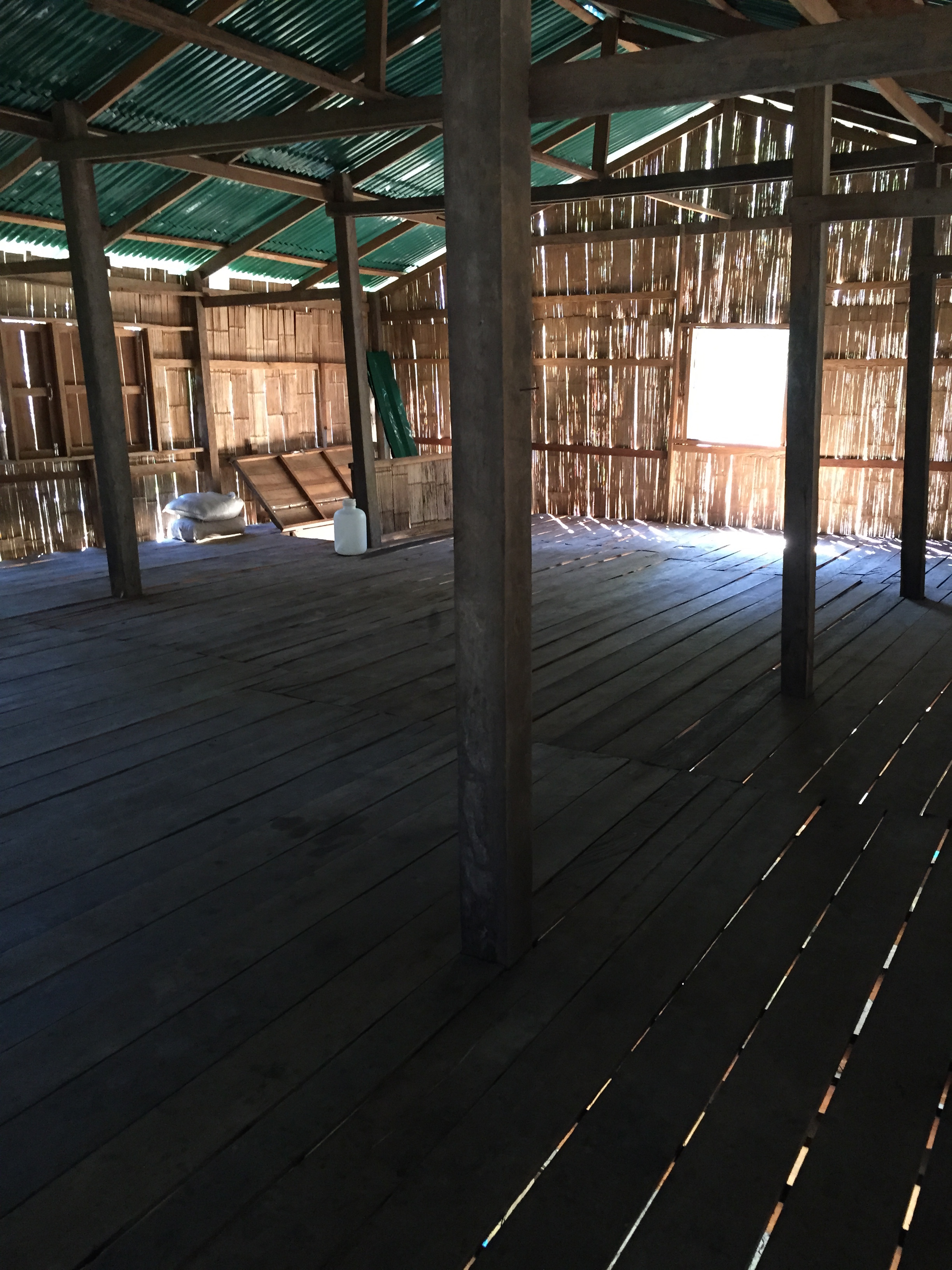 Inside the new large hut/home Ga-Bleu has already built.