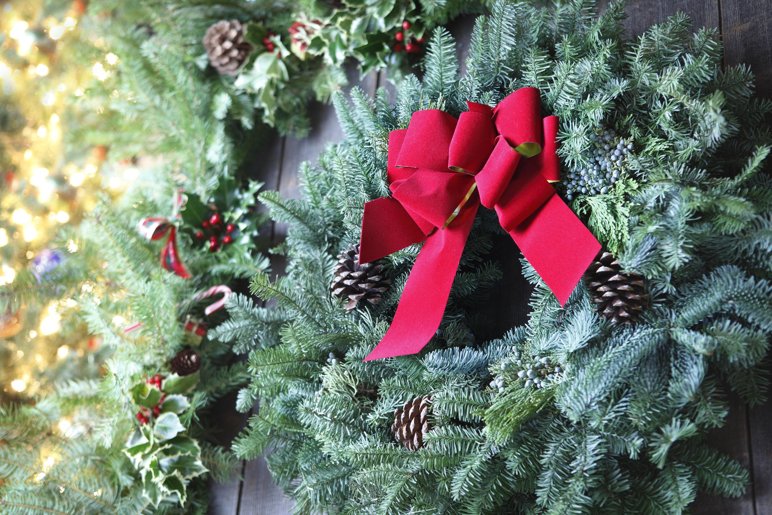 Holiday Christmas Wreath 18413370_Full.jpg
