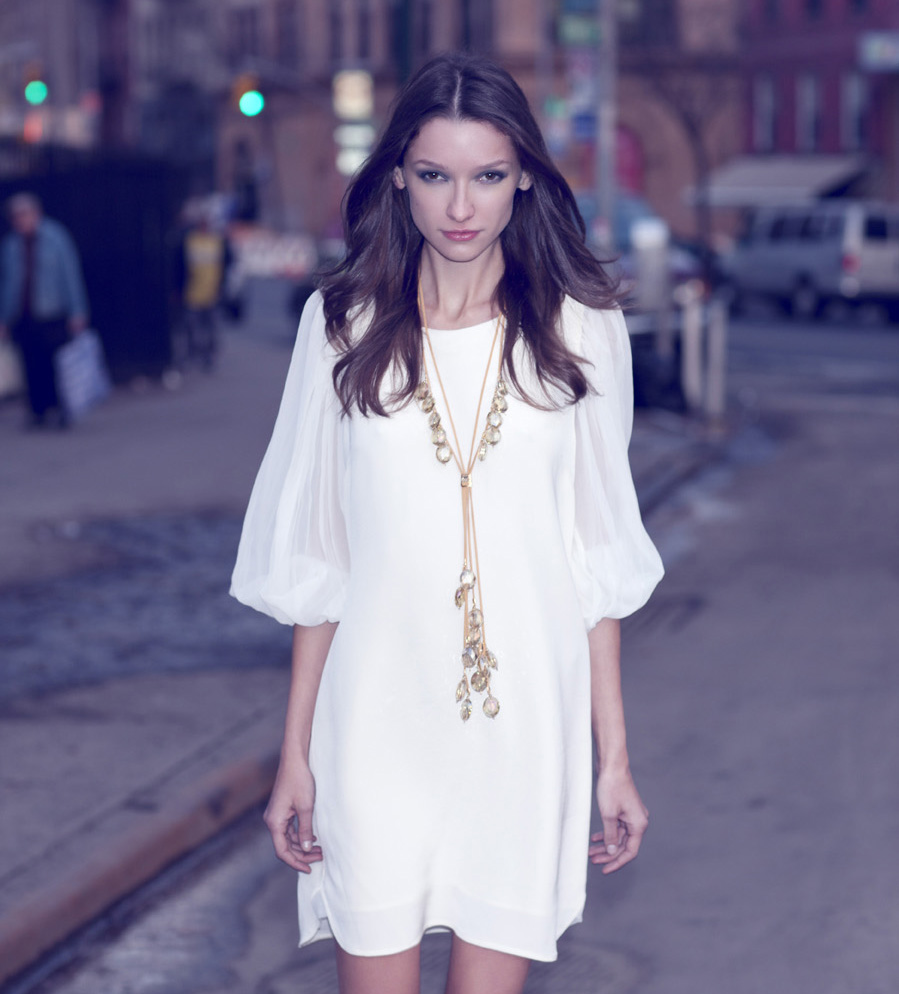 Again, long and drapey is what our Tara necklace delivers for a look that will sway while they swoon.