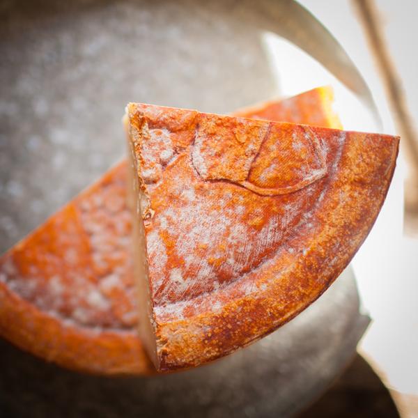 Cavaniola's_10_cheeses_lindsaymorris-3019.jpg