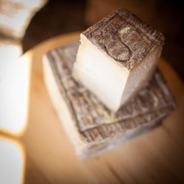 Cavaniola's_10_cheeses_lindsaymorris-3082.jpg