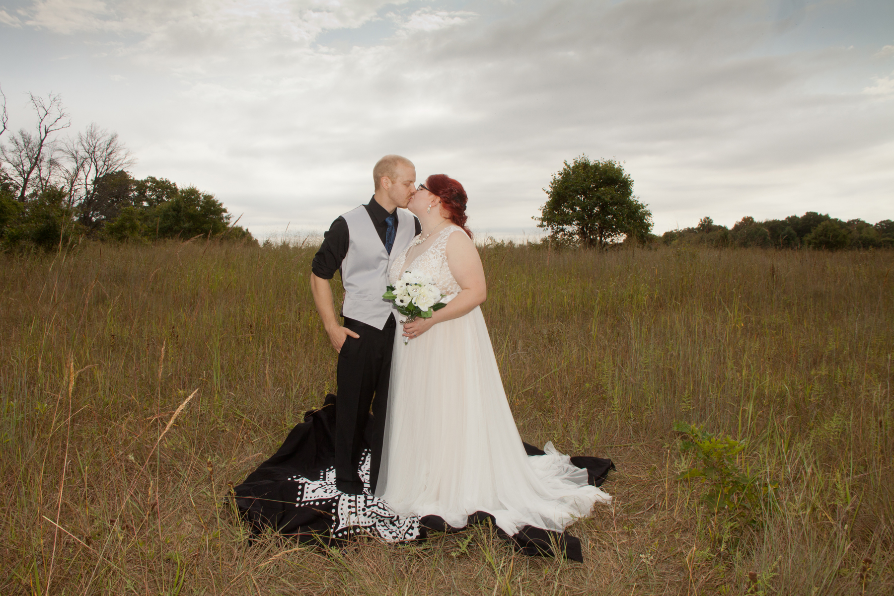 Ashley and Jon had a beautiful outdoor wedding. The Sherburne County Wildlife Refuge provided an amazing backdrop for this couple