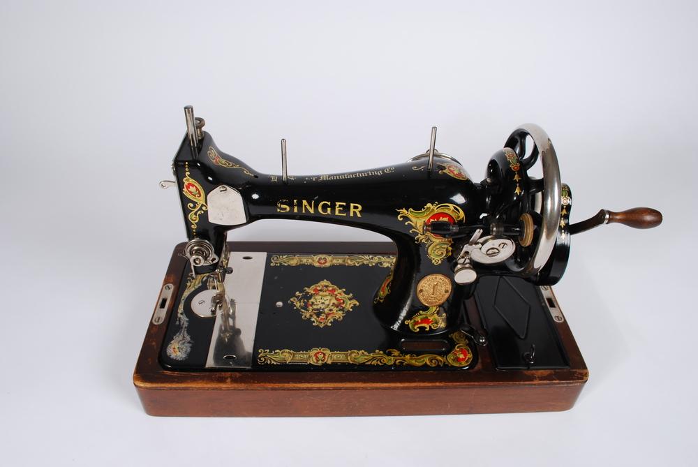 Machine cases singer sewing old Singer Bobbin