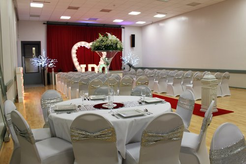 Wedding tables- pretty white.jpg