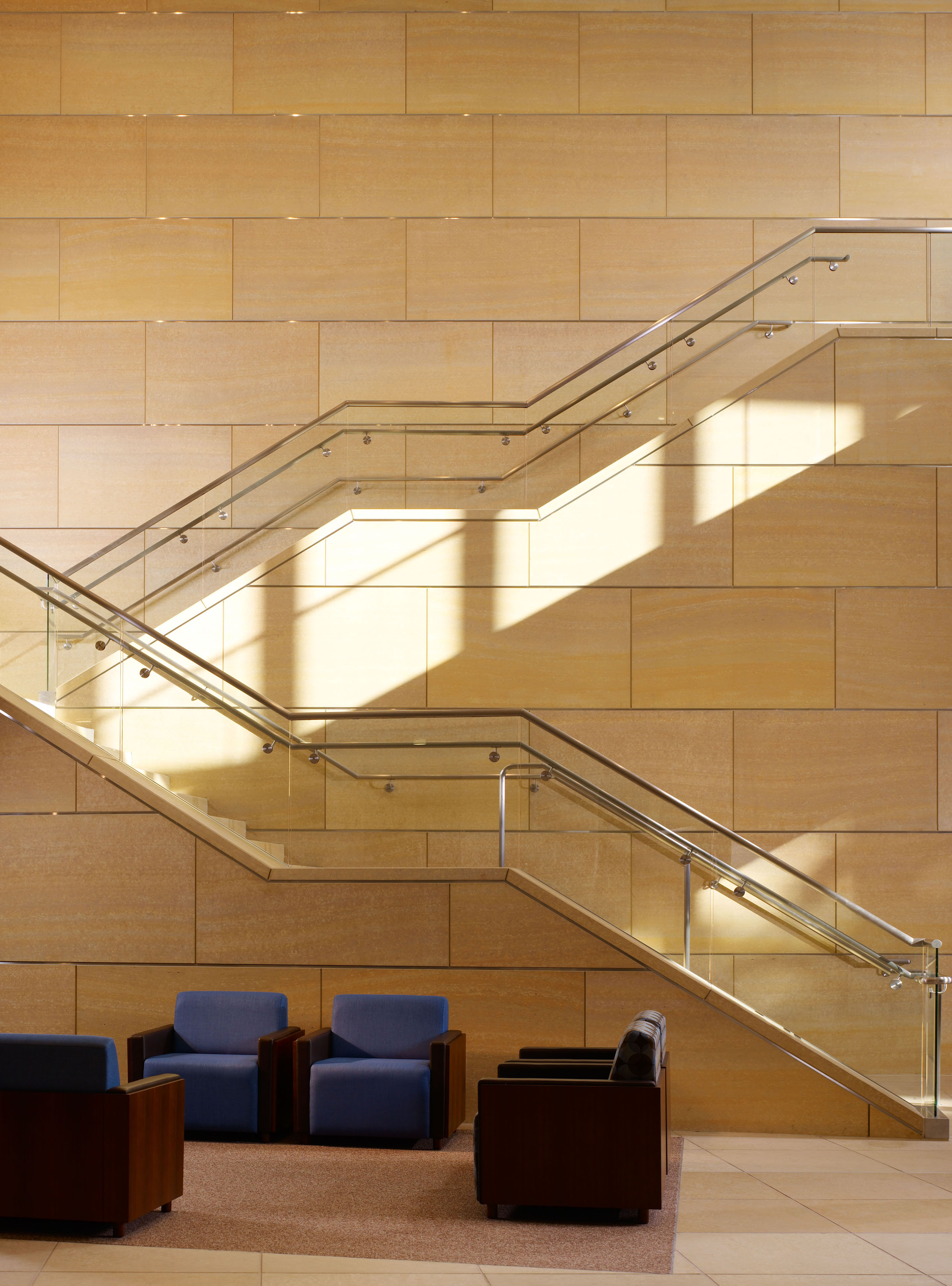 UCIrvine Douglas Hospital Interior - Lobby 03.jpg
