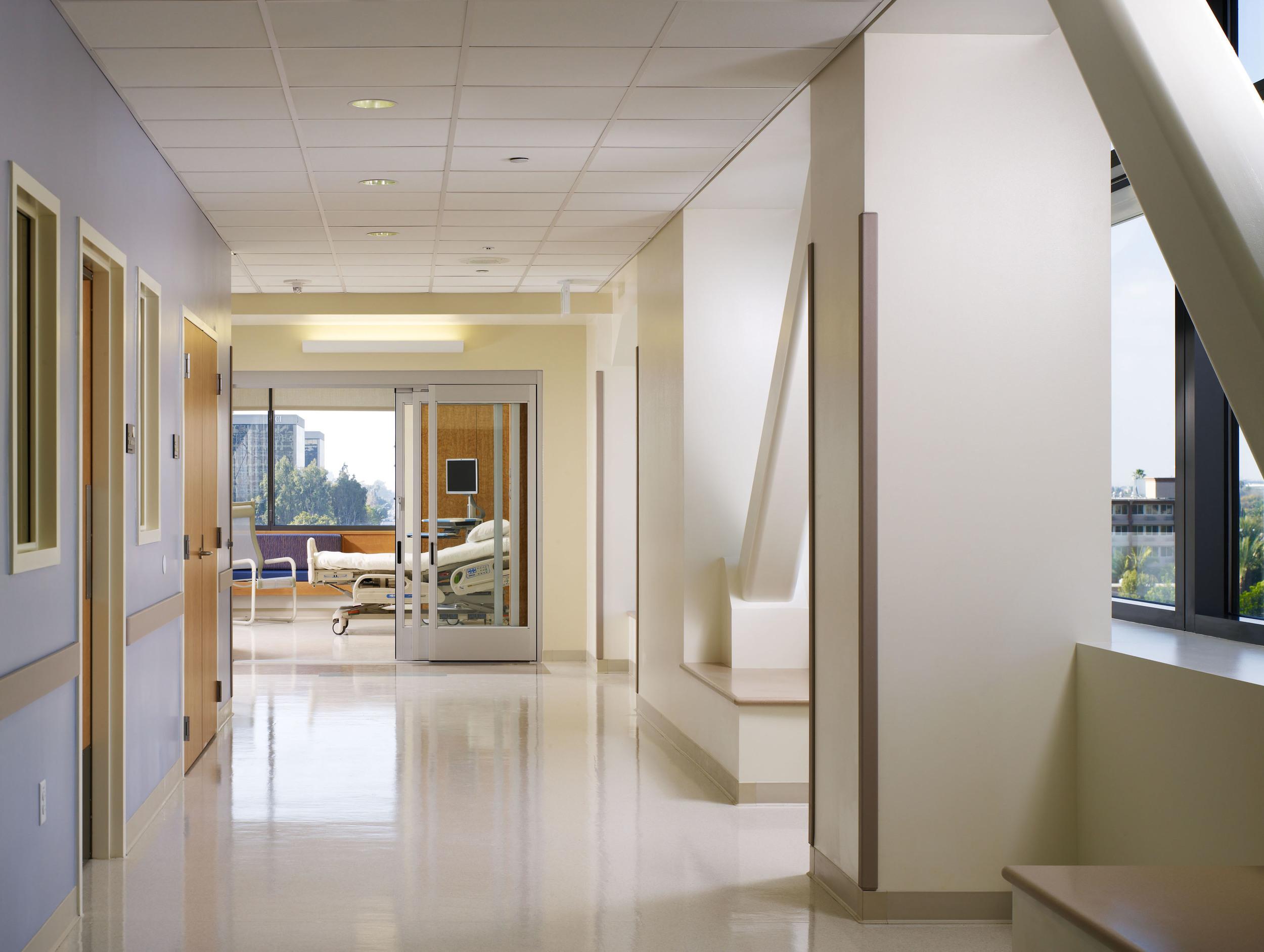 UCIrvine Douglas Hospital Interior - Patient Care 01.jpg