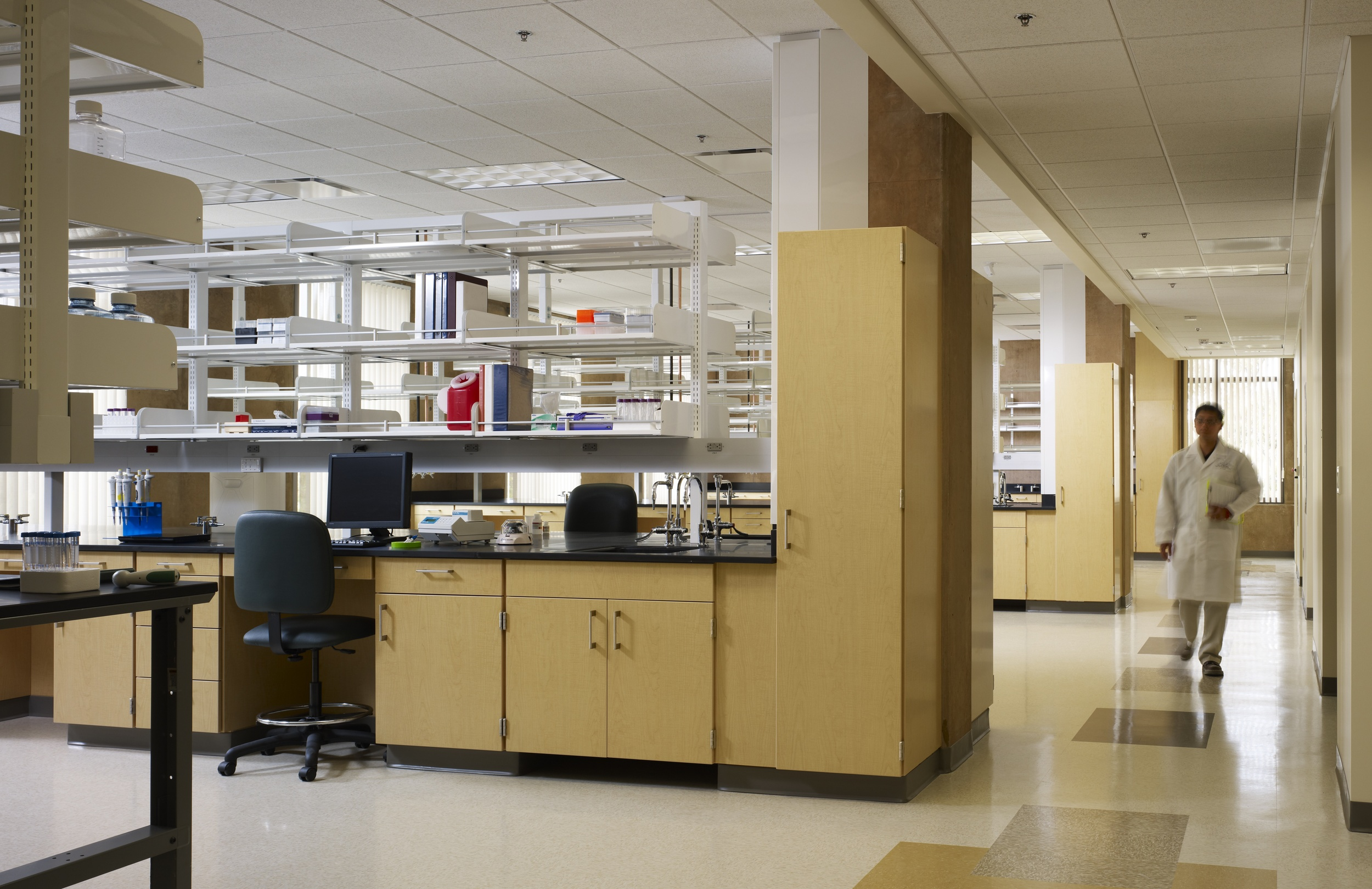 Sue & Bill Gross Stem Cell Research Lab - Interior.jpg