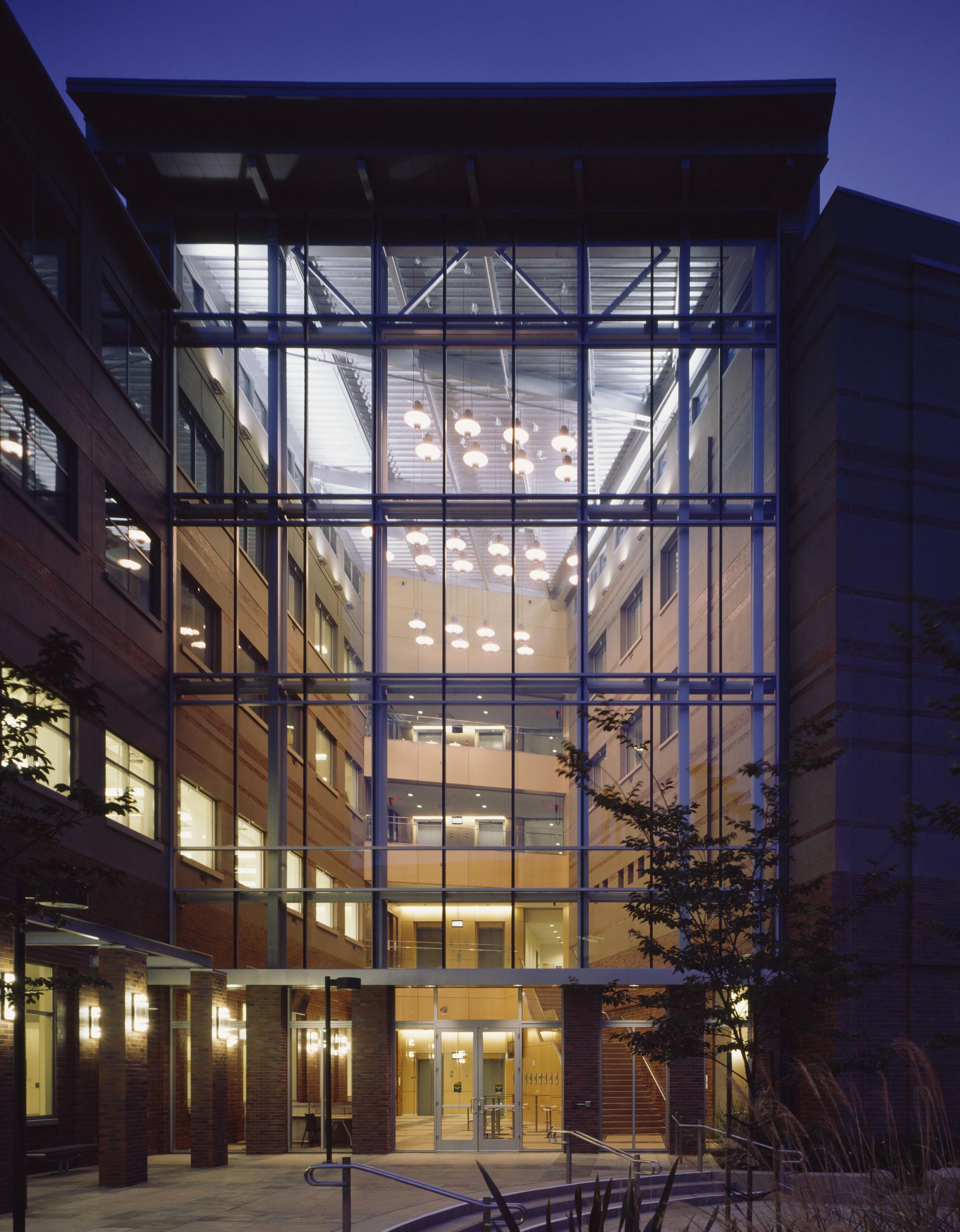 University of California Irvine  Engineering Hall = LEED Gold.jpg