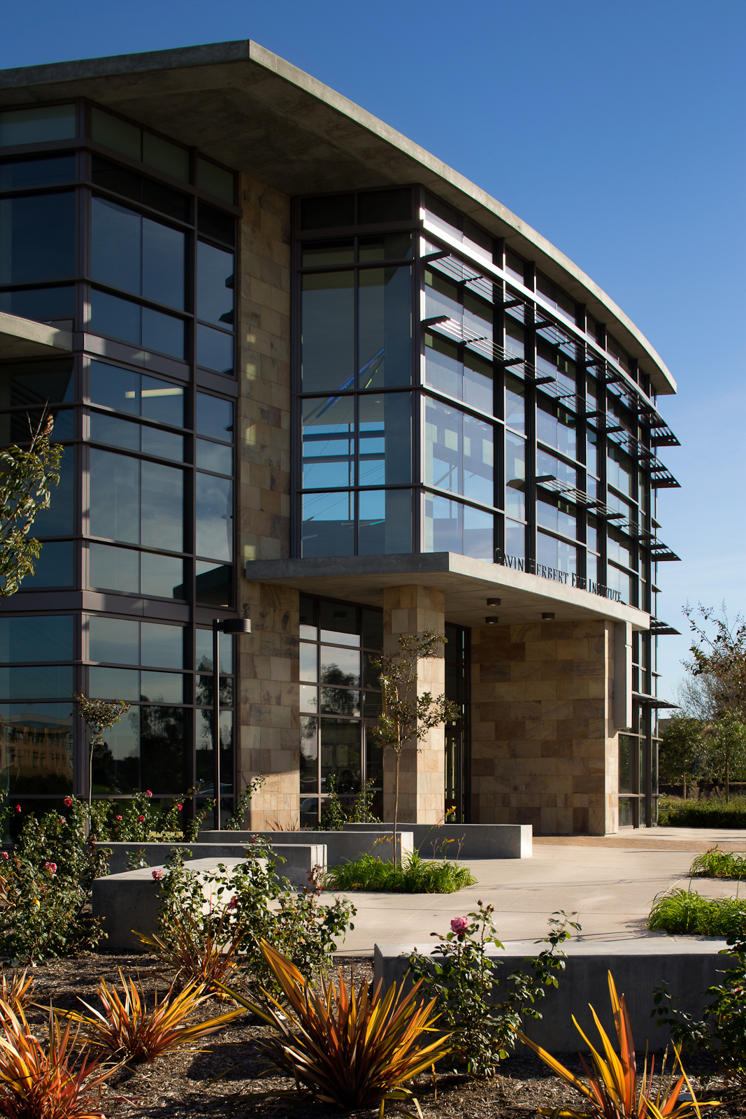 Gavin Herbert Eye Institute - Ambulatory Surgery and Clinical Services