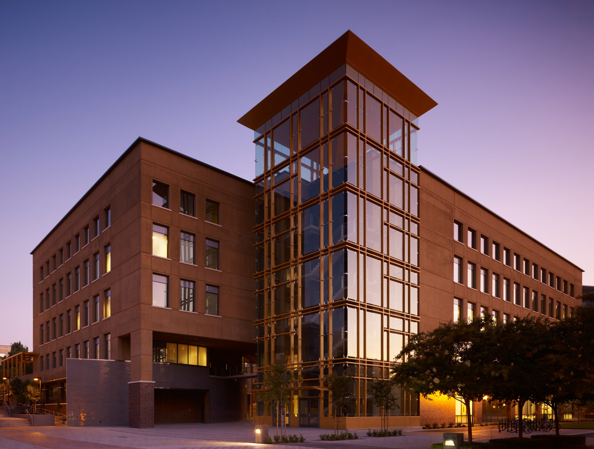 UC Irvine Engineering Hall - LEED GOLD