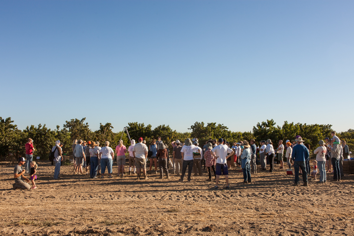 The morning orientation for the excited group ready to harvest their fruits.