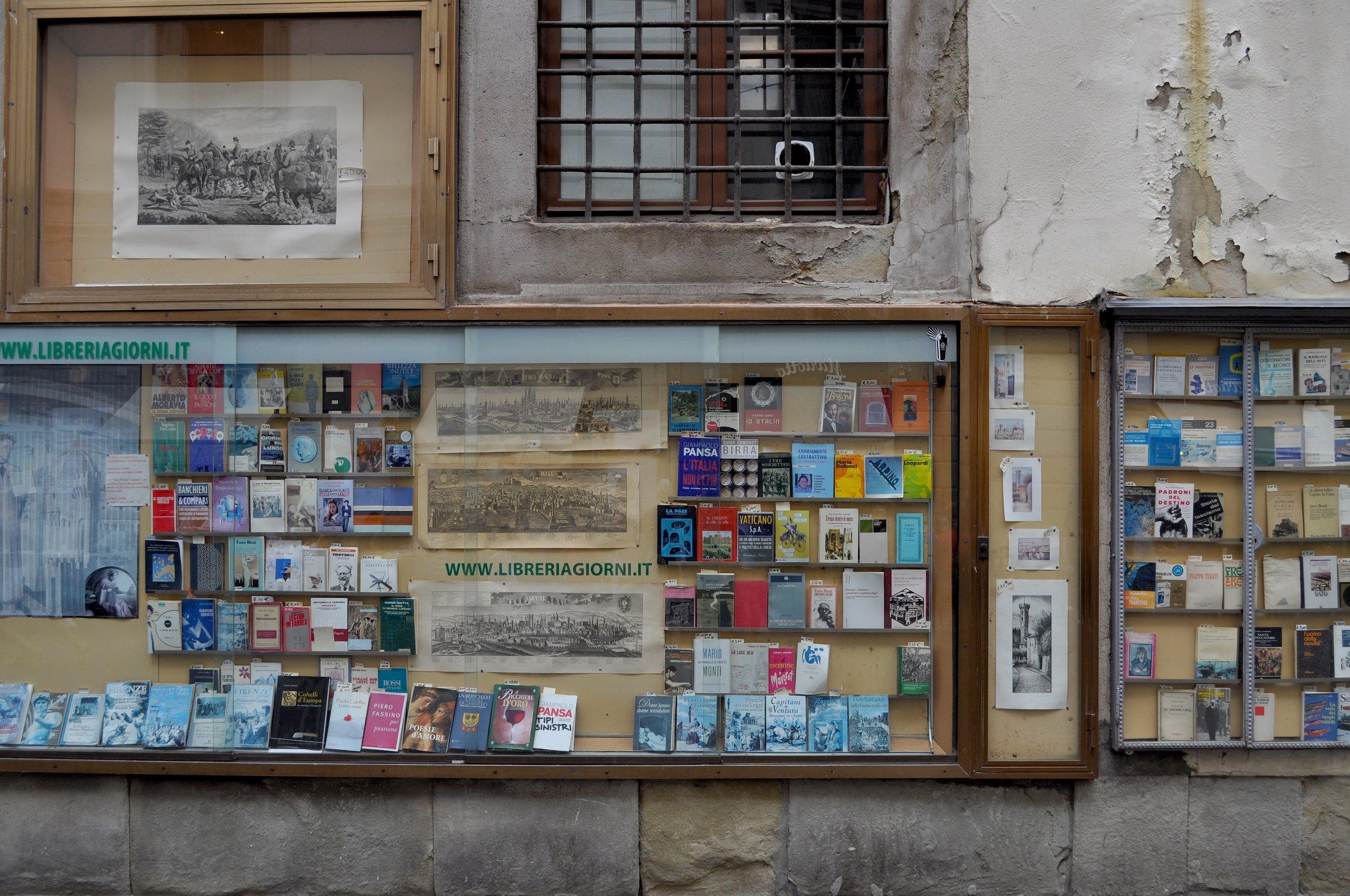 Libreria Giorni T.JPG