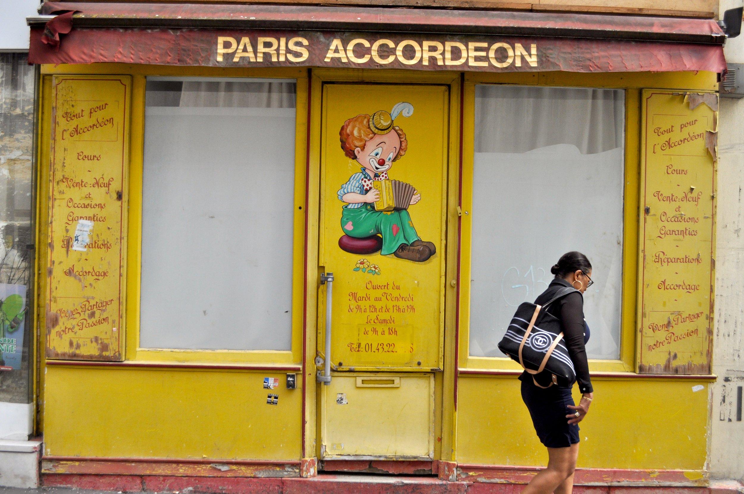 Paris Accordeon T.JPG