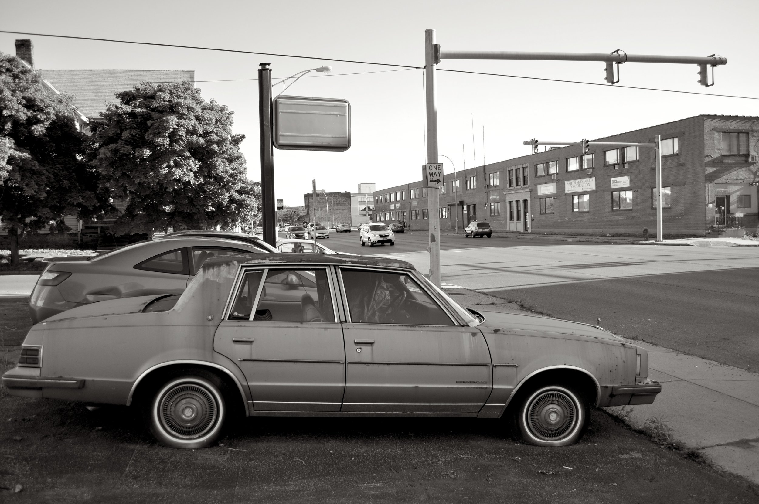 Old Car On Niagara Street T.JPG