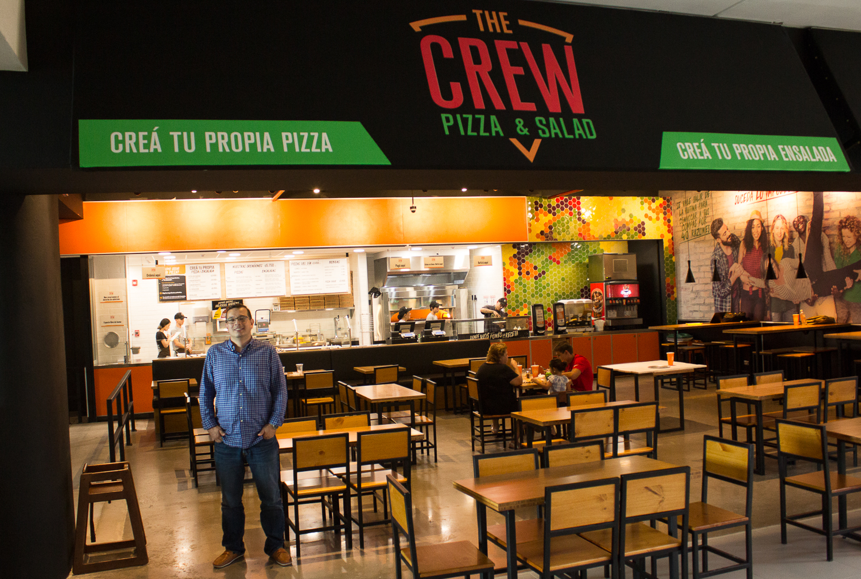 TheCrewPizza5.JPG