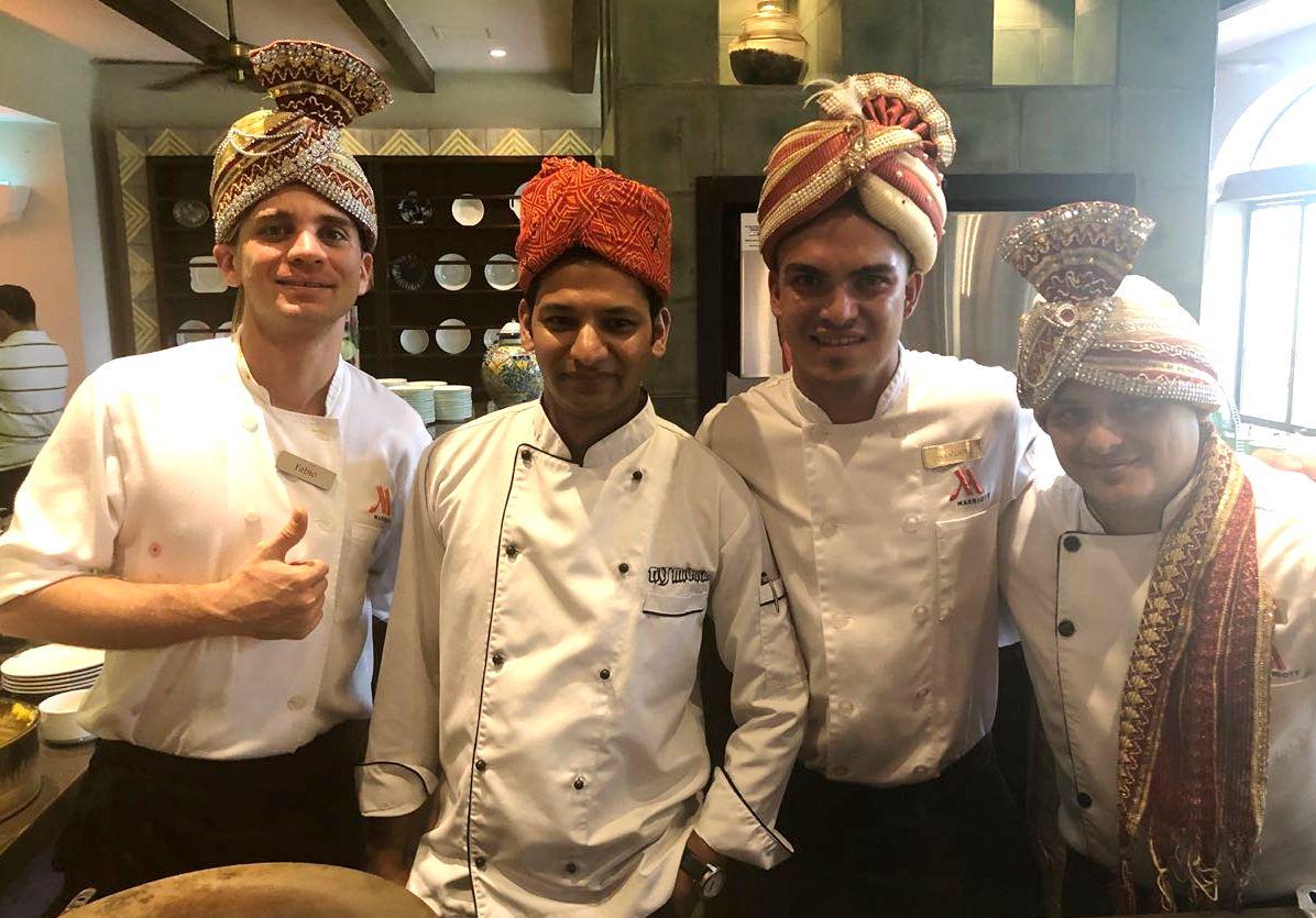 Los chefs de los restaurantes Taj Mahal y Naan´s & Curries fueron los encargados de desarrollar los platillos del brunch hindú.