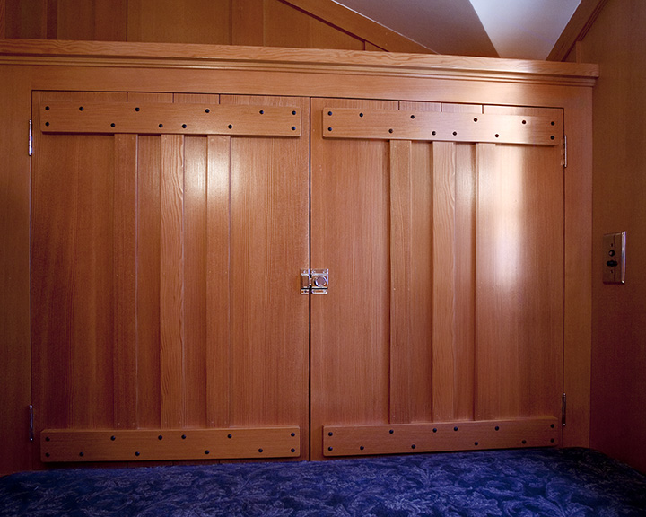 Whit Guest_Bathroom_Cabinet.jpg