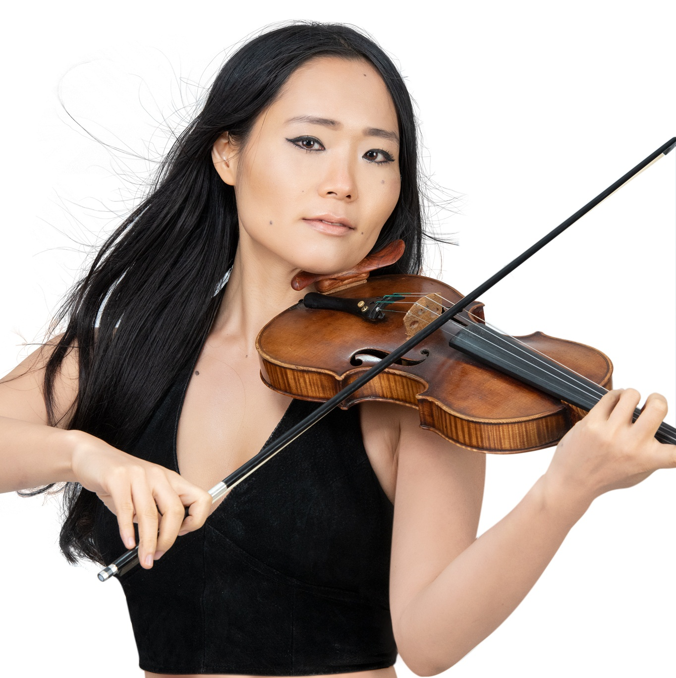 About - Megumi saruhashi is a border-crossing violinist and composer. A native of Japan and currently resides in Brooklyn. Megumi uses the violin to give her audience a chance to open their portal one ear at a time for a greater consciousness. Read More
