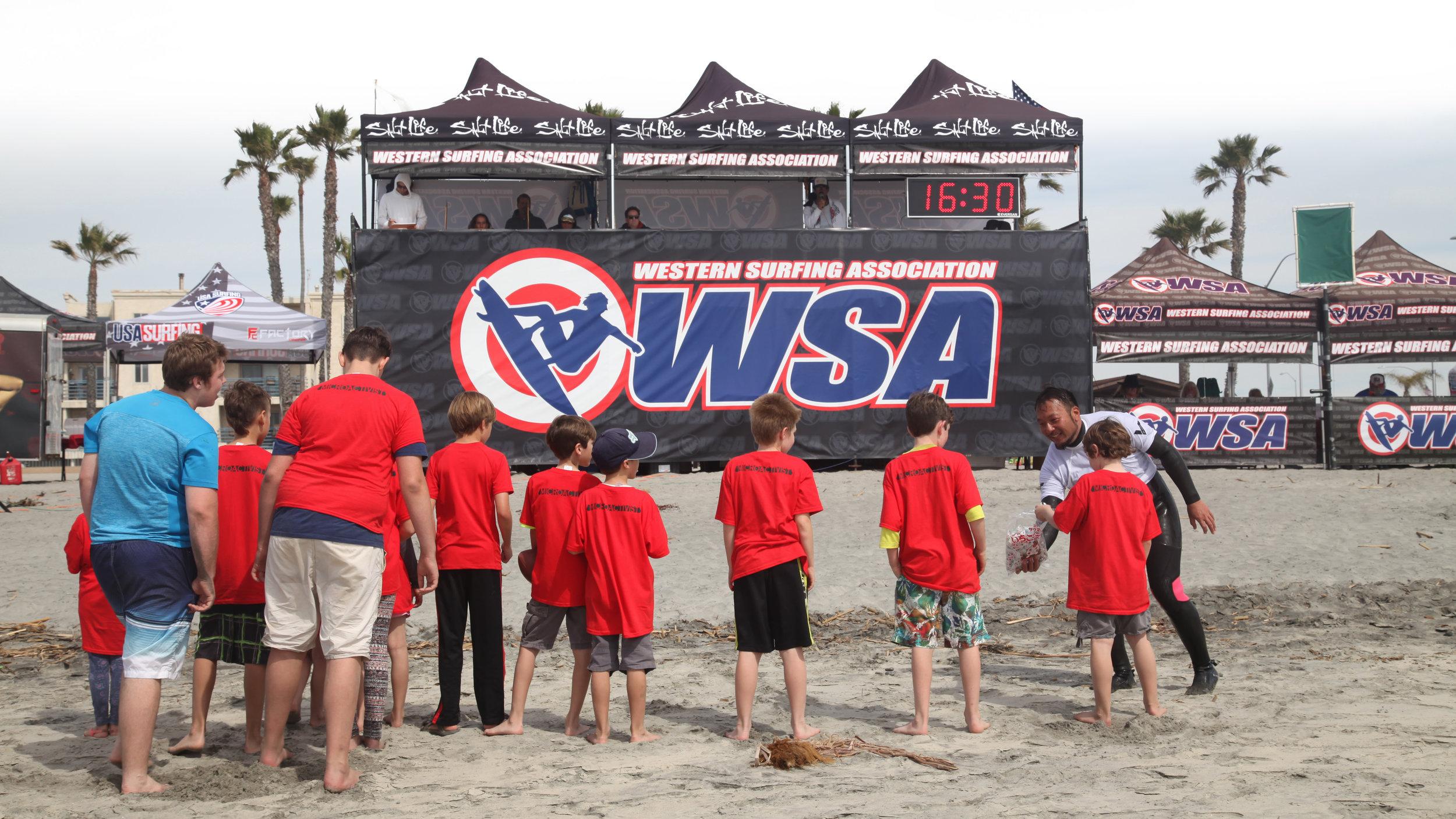 top grad - kids at surf contest IMG_6980.jpg