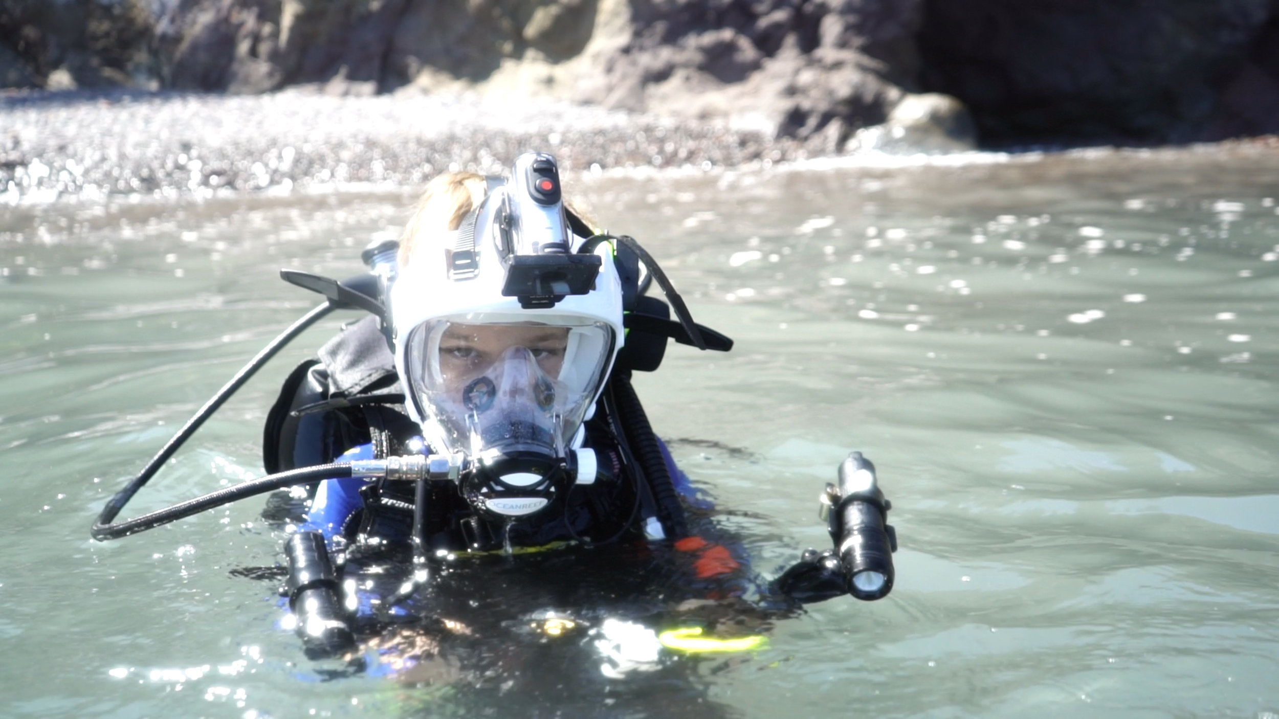 Diving - Connor water entry with camera.jpg