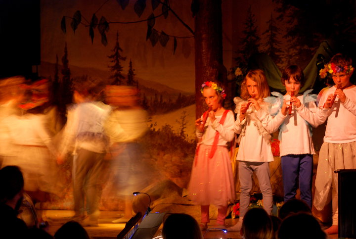 stage dance music msnd.jpg