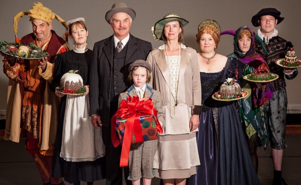 2013-Christmas-Revels-Cast.jpg
