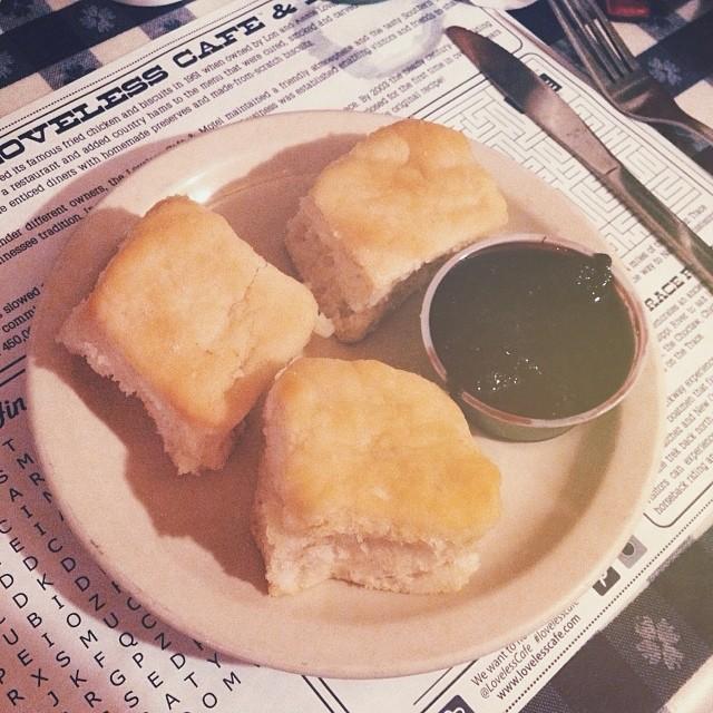 loveless cafe biscuits nashville.jpg
