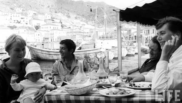 Marianne, Leonard, George and Charmian. © LIFE Magazine.