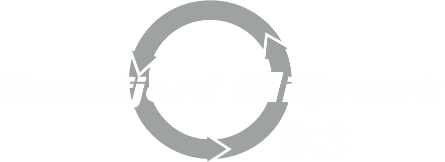 SUM-logo i kvit og grå.png