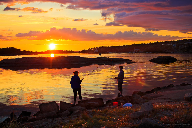 Akkurat her i grenseland mellom kommunene Fredrikstad og Hvaler finner du en av Østfold-skjærgårdens beste plasser for stangfiske: Spesielt i mai og juni er det svært store sjanser for at sjøørreten biter her.