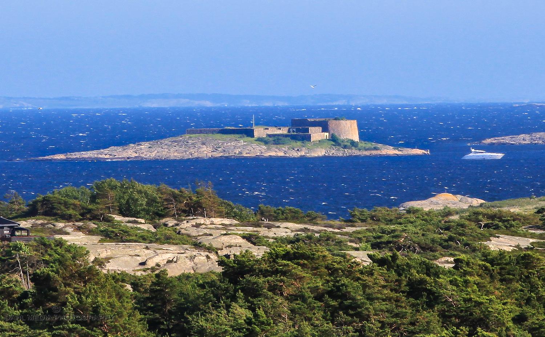 Akerøya fort fra Øvre Utgård på Vesterøy