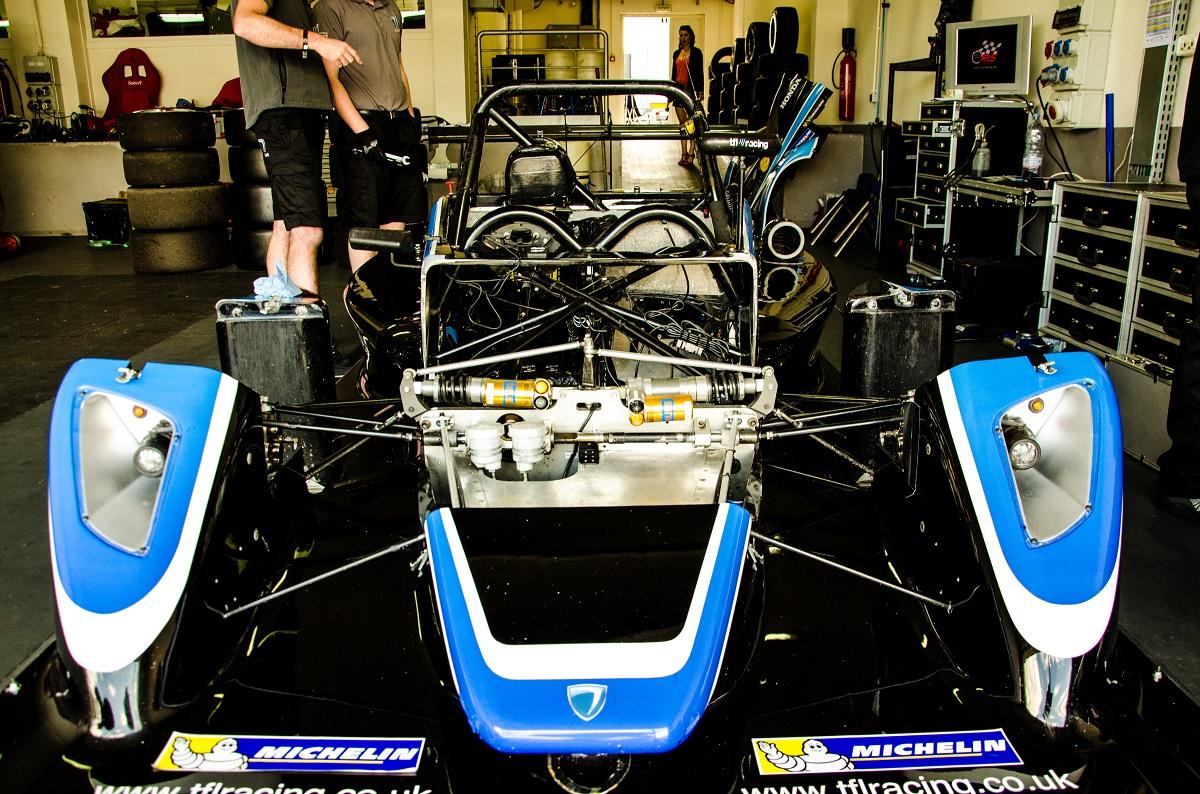 1200 Circuit - Paddock Car 1.jpg