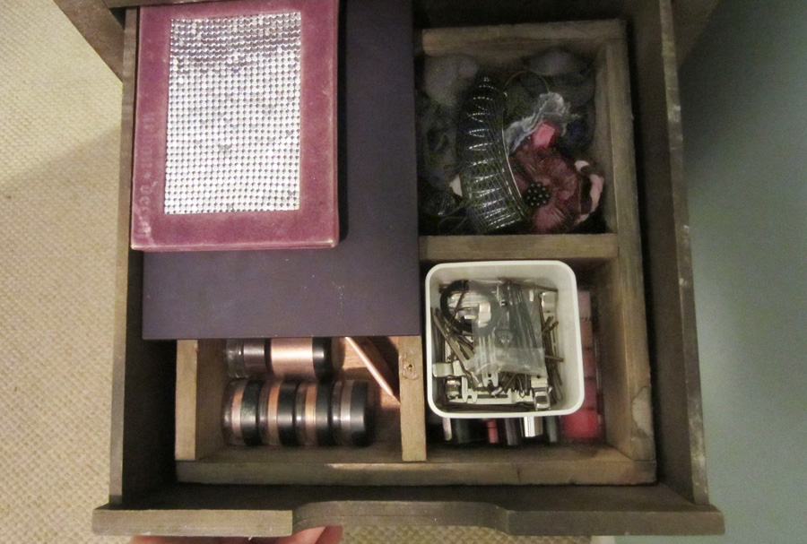 Use compartments to store makeup and toiletries