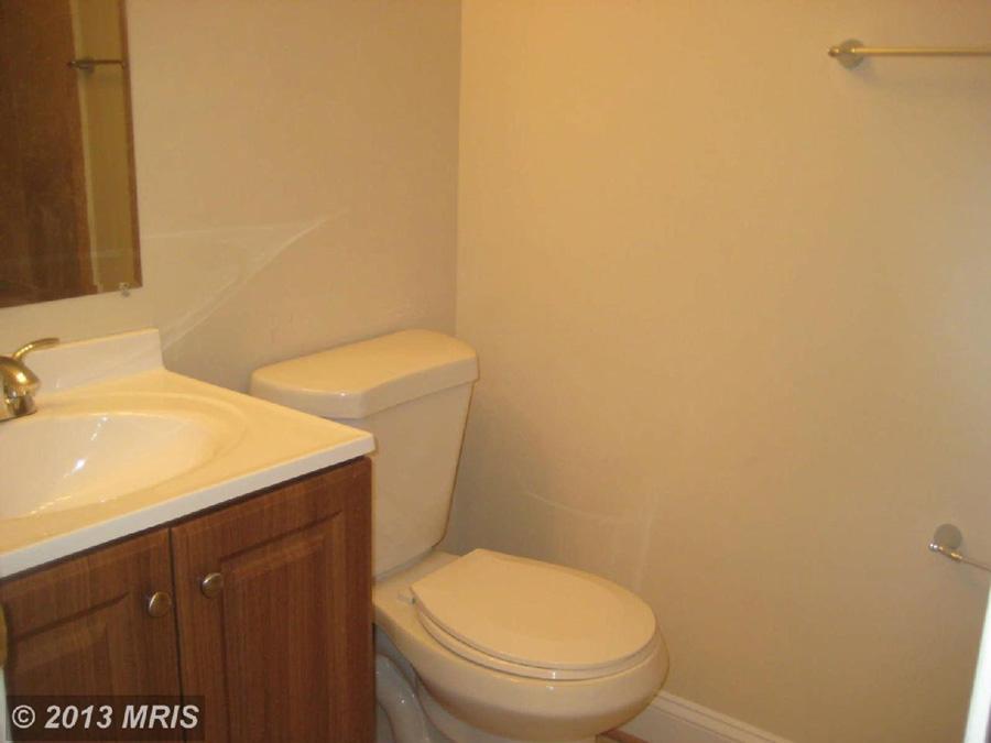 listing-photo-master-bath.jpg