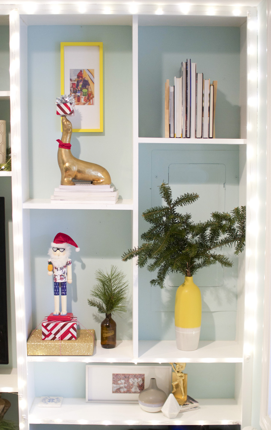 small-space-christmas-decor-4.jpg