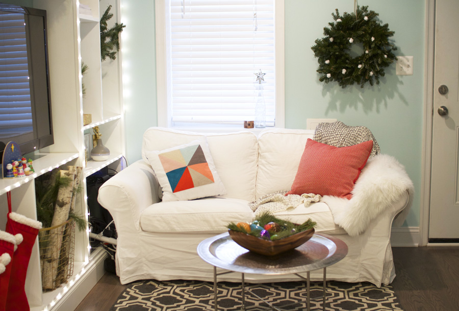 Small space holiday decor