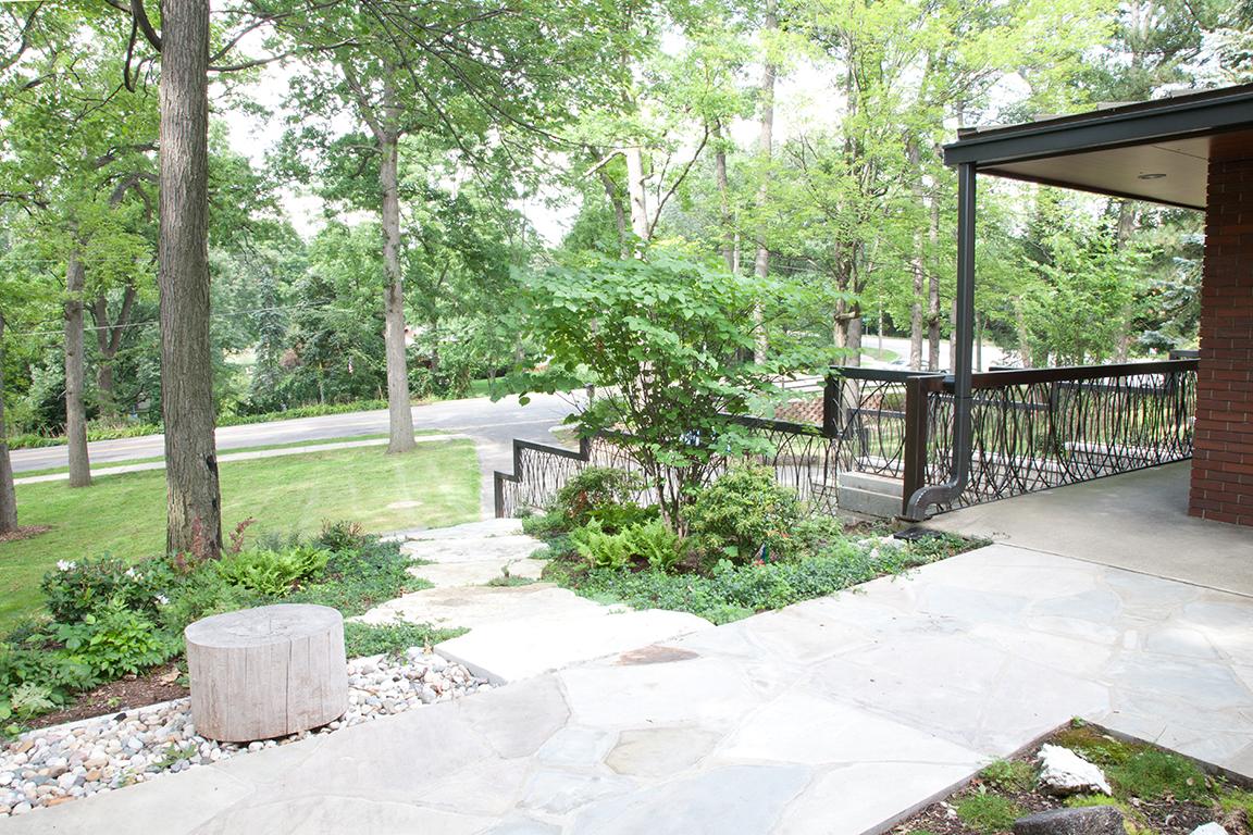 kopek-entry-patio.jpg