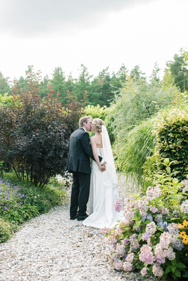 Nadine_Soeren_HochzeitPoolParty_WEB_-17.jpg