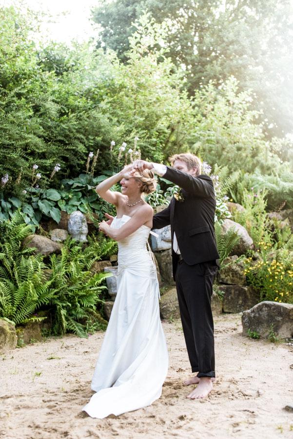 Nadine_Soeren_HochzeitPoolParty_WEB_-34.jpg