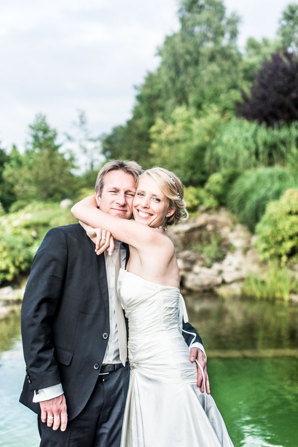 Nadine_Soeren_HochzeitPoolParty_WEB_-42.jpg